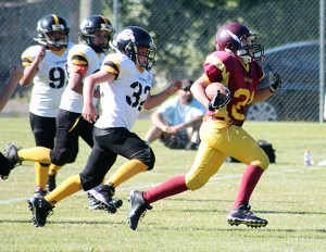 The Cowichan Bulldogs football teams wrapped up the regular season on Saturday with games at home against the Ladysmith Steelers.